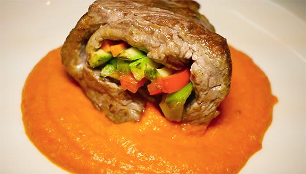 Filete de res relleno de verduras